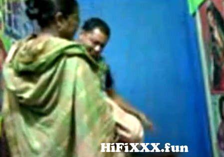View Full Screen: desi aunty fucking her lover in photo studio mp4.jpg